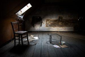 chaise abandonnée